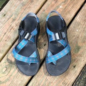Chaco's women's sandals Z/2 classic size 6 GUC.